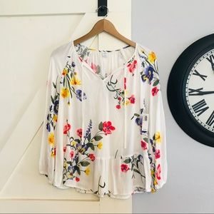 NWT Old Navy white floral blouse